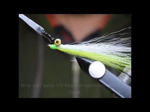 New Clouser Minnow tying Video !